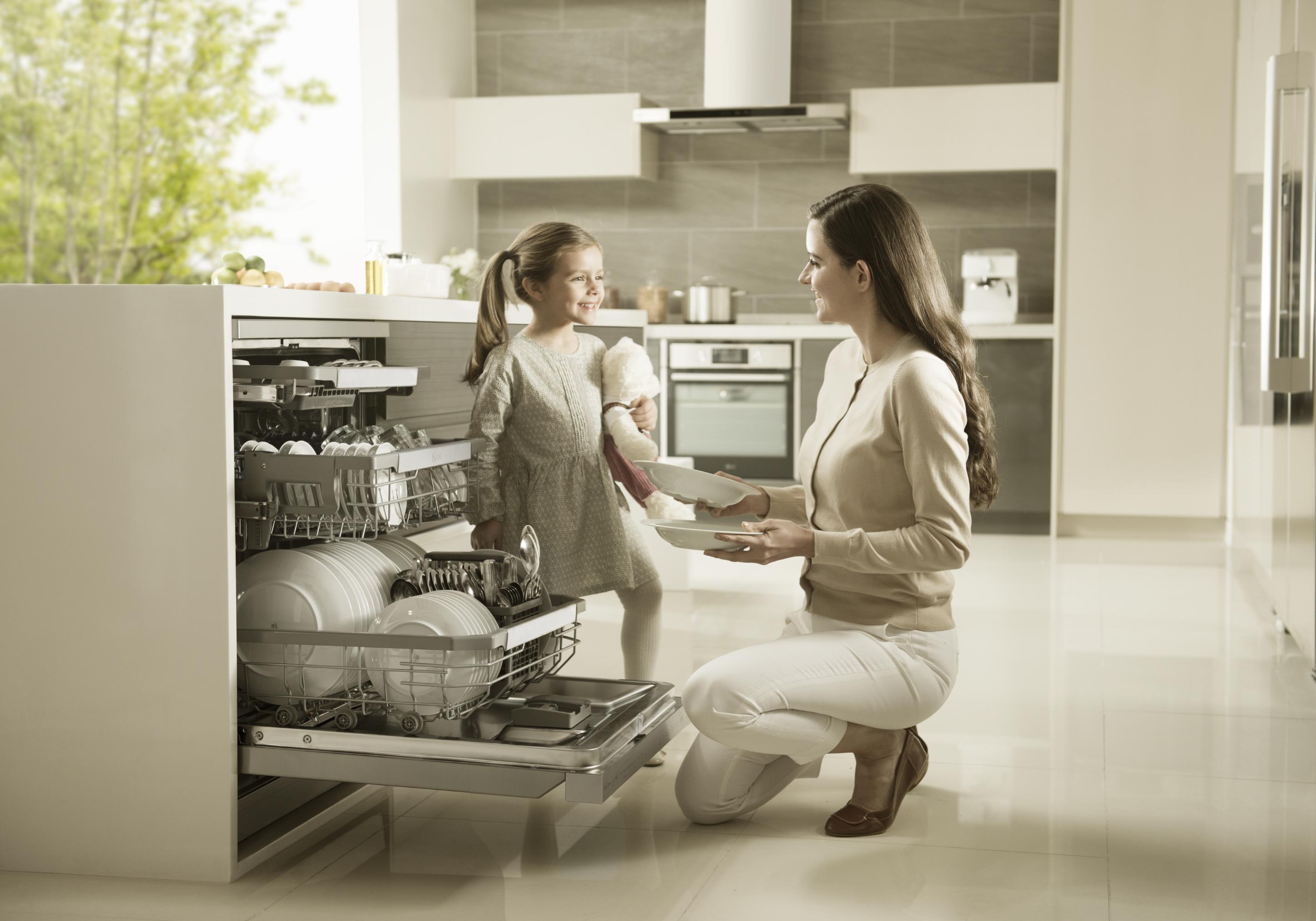 lg zeigt auf der ifa 2016 neue m glichkeiten f r moderne k chen das presse portal von lg lg. Black Bedroom Furniture Sets. Home Design Ideas